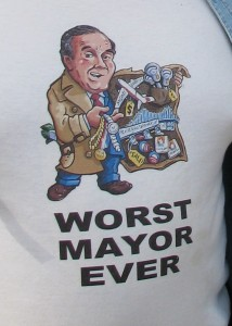 A police officer was wearing this T-shirt, during the police protest to oust Superintendant Jody Weis, on September 15, 2010.  Photo by Mary C. Johns